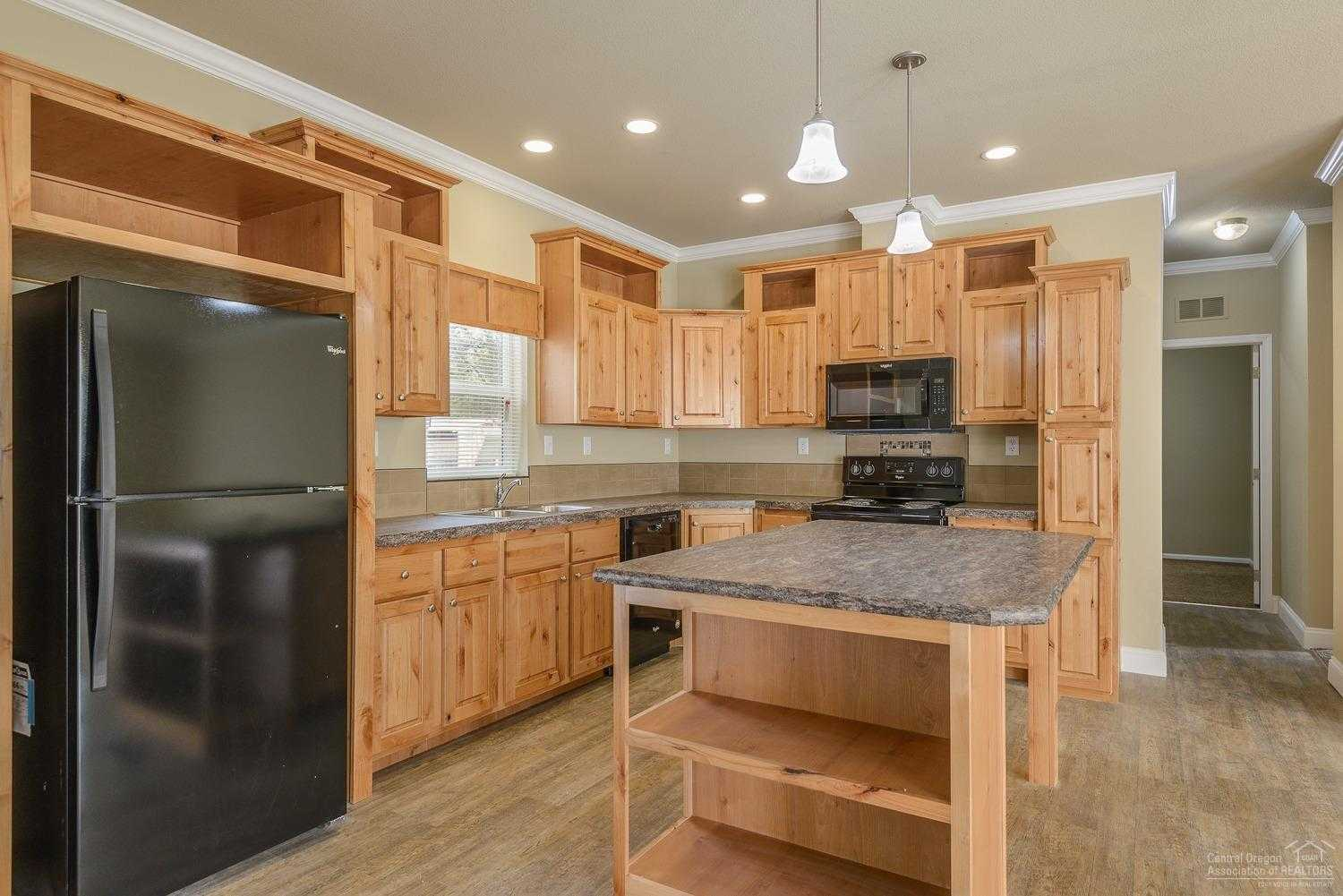$249,900 - 3Br/2Ba -  for Sale in Oww2, Bend