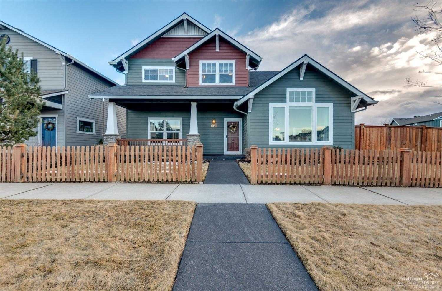 $454,900 - 4Br/3Ba -  for Sale in Bend