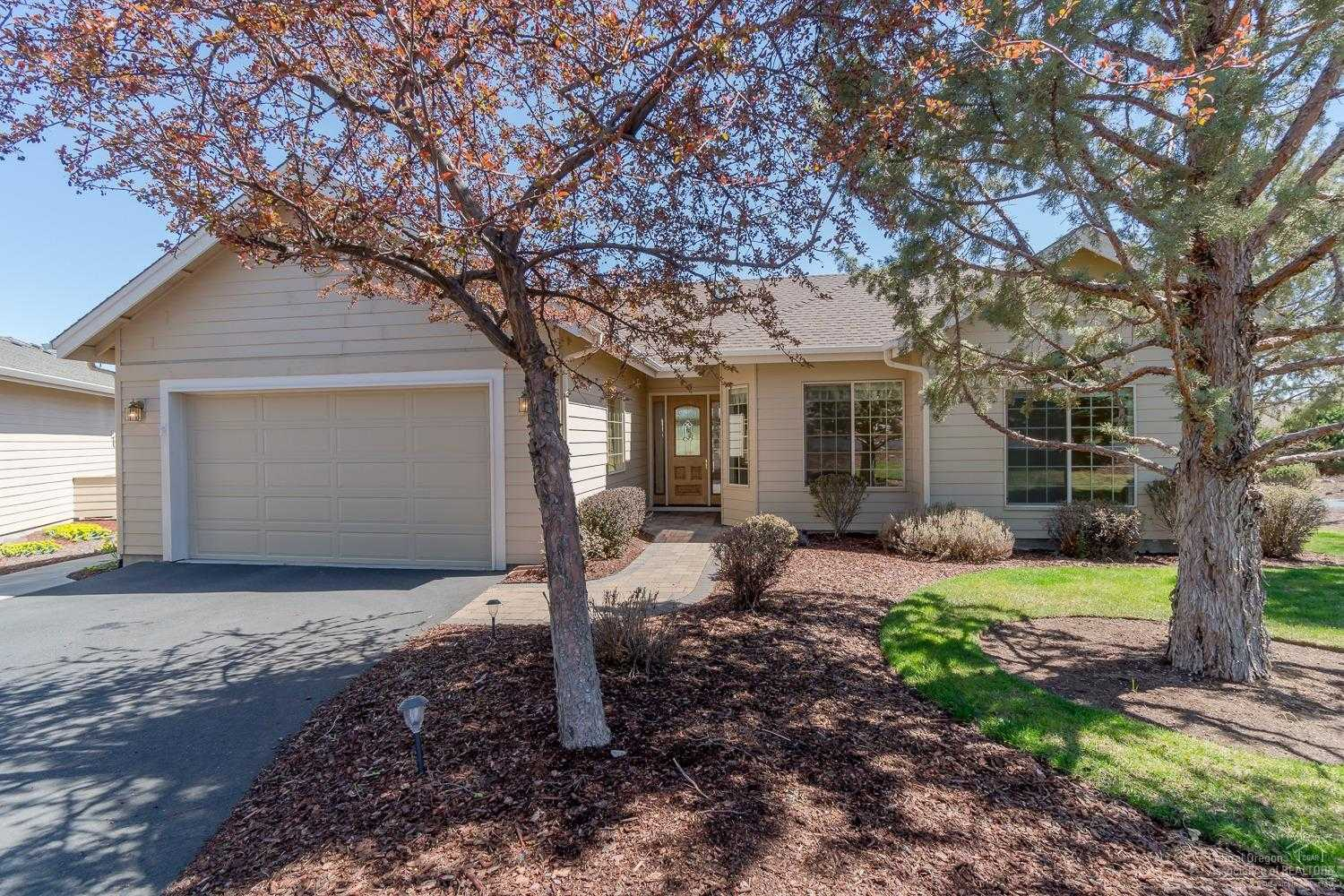 $449,000 - 2Br/2Ba -  for Sale in The Falls, Redmond