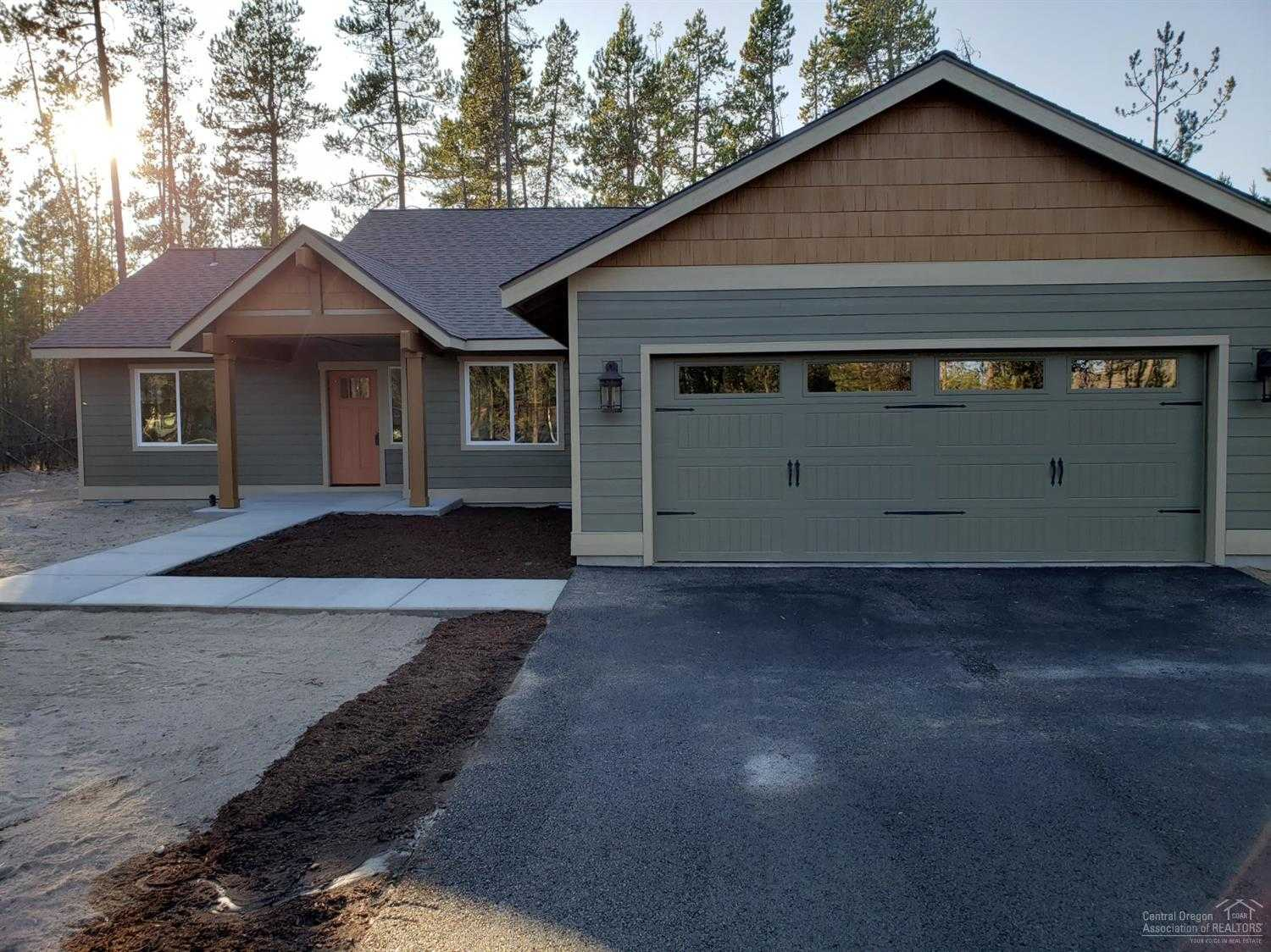$395,000 - 4Br/2Ba -  for Sale in Oww2, Bend