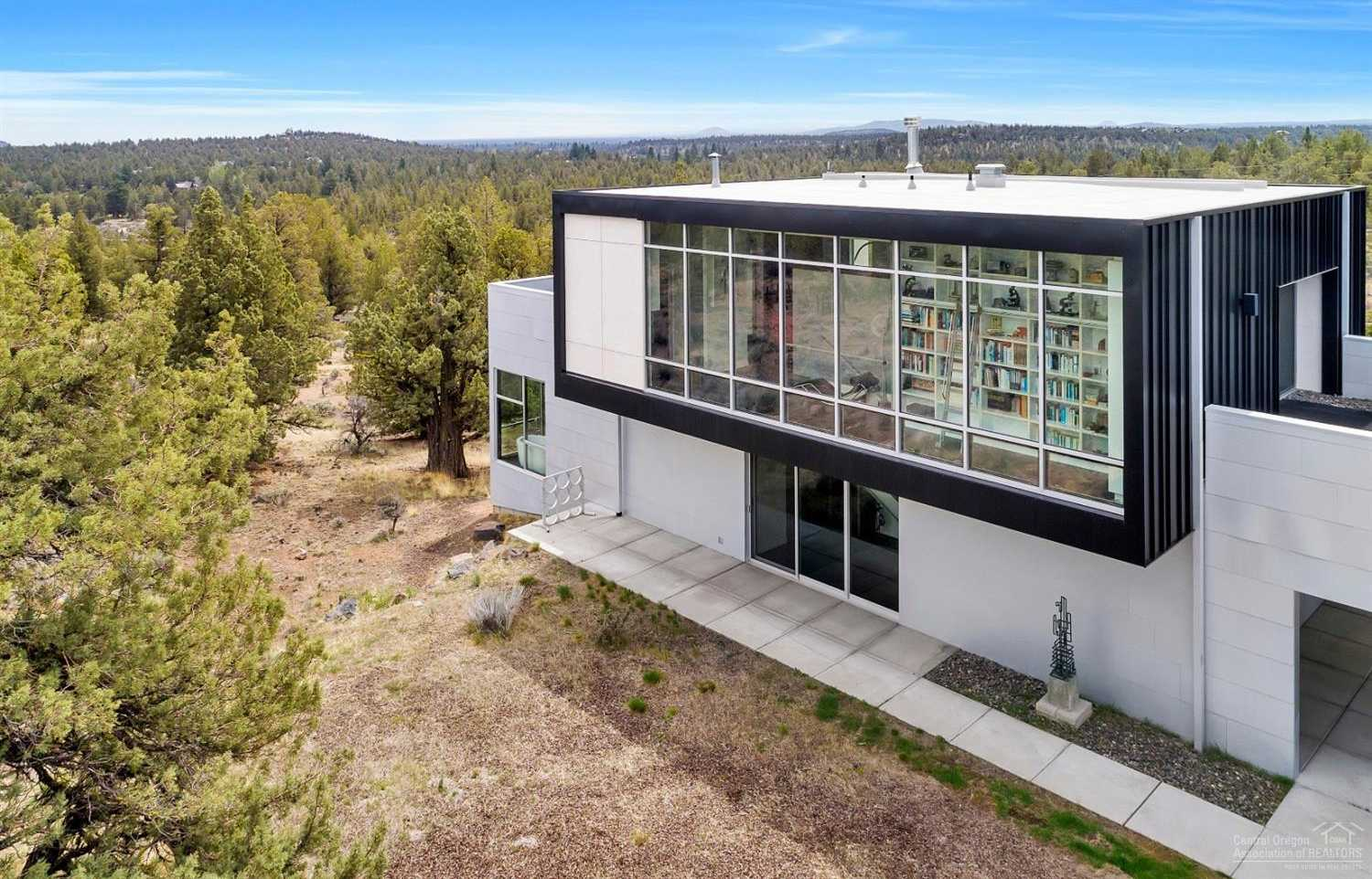 $1,695,000 - 3Br/3Ba -  for Sale in Bend