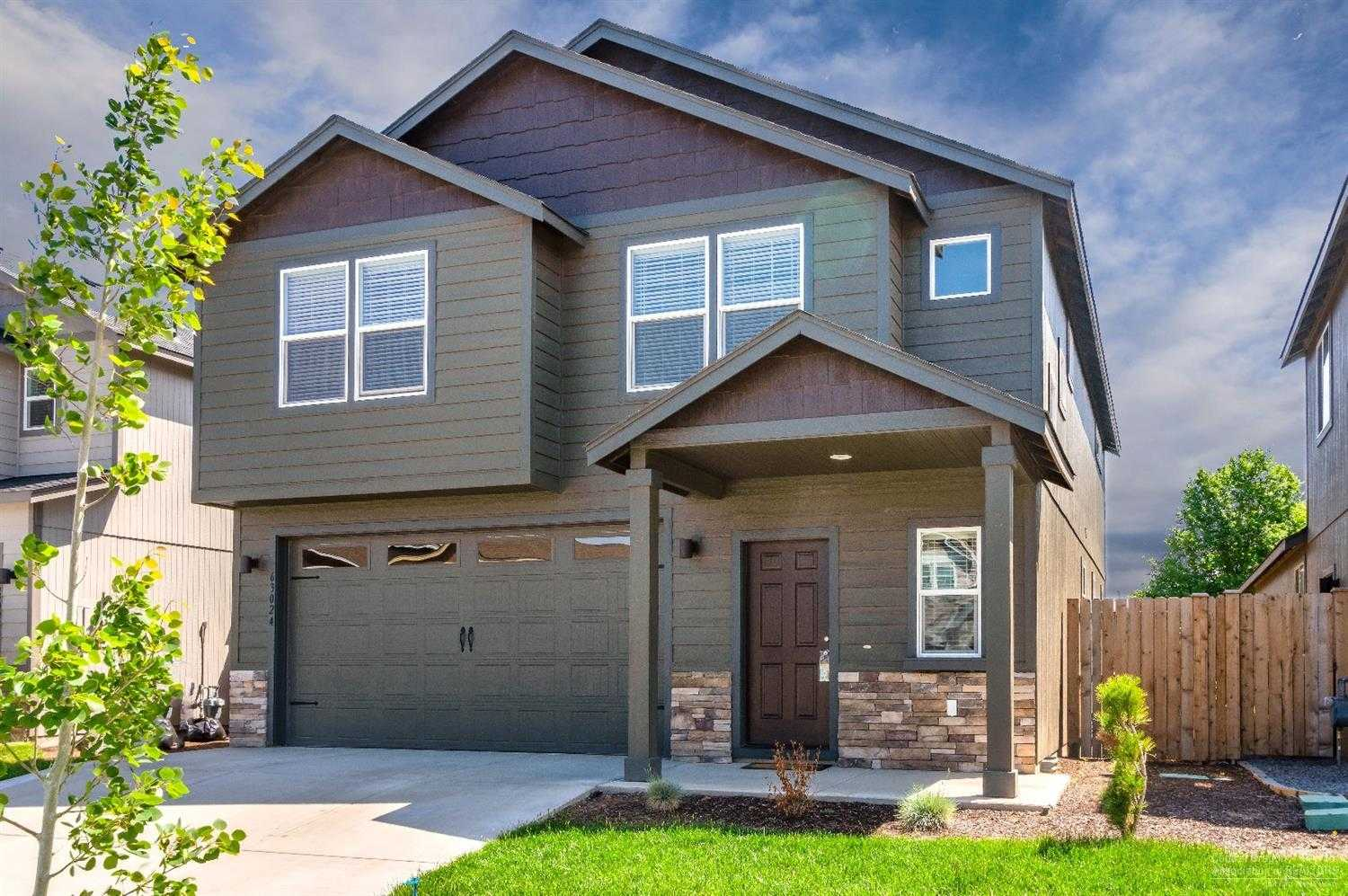 $389,000 - 4Br/3Ba -  for Sale in Bend