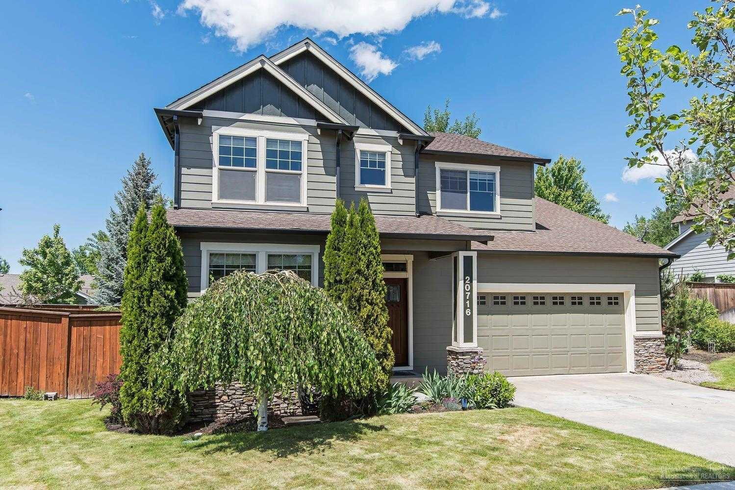 $436,500 - 3Br/3Ba -  for Sale in Bend
