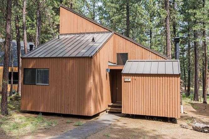 $429,000 - 3Br/2Ba -  for Sale in Bbr Ah, Black Butte Ranch