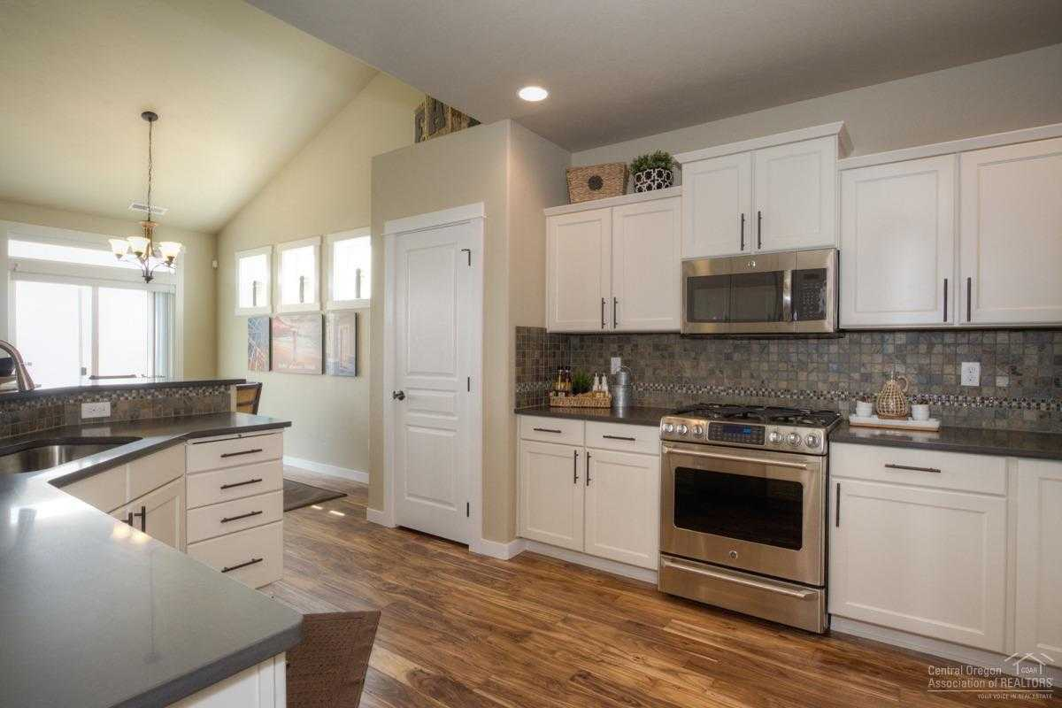 $519,976 - 4Br/3Ba -  for Sale in Bend