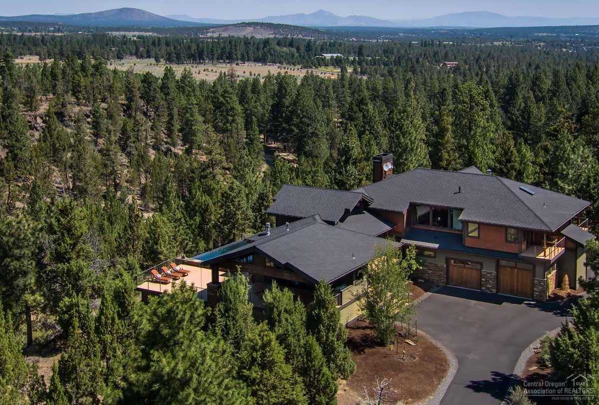 $2,950,000 - 3Br/4Ba -  for Sale in Bend