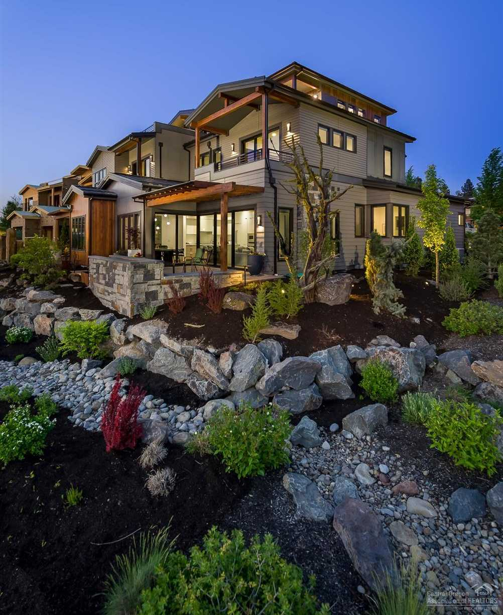 $2,100,000 - 3Br/5Ba -  for Sale in Bend
