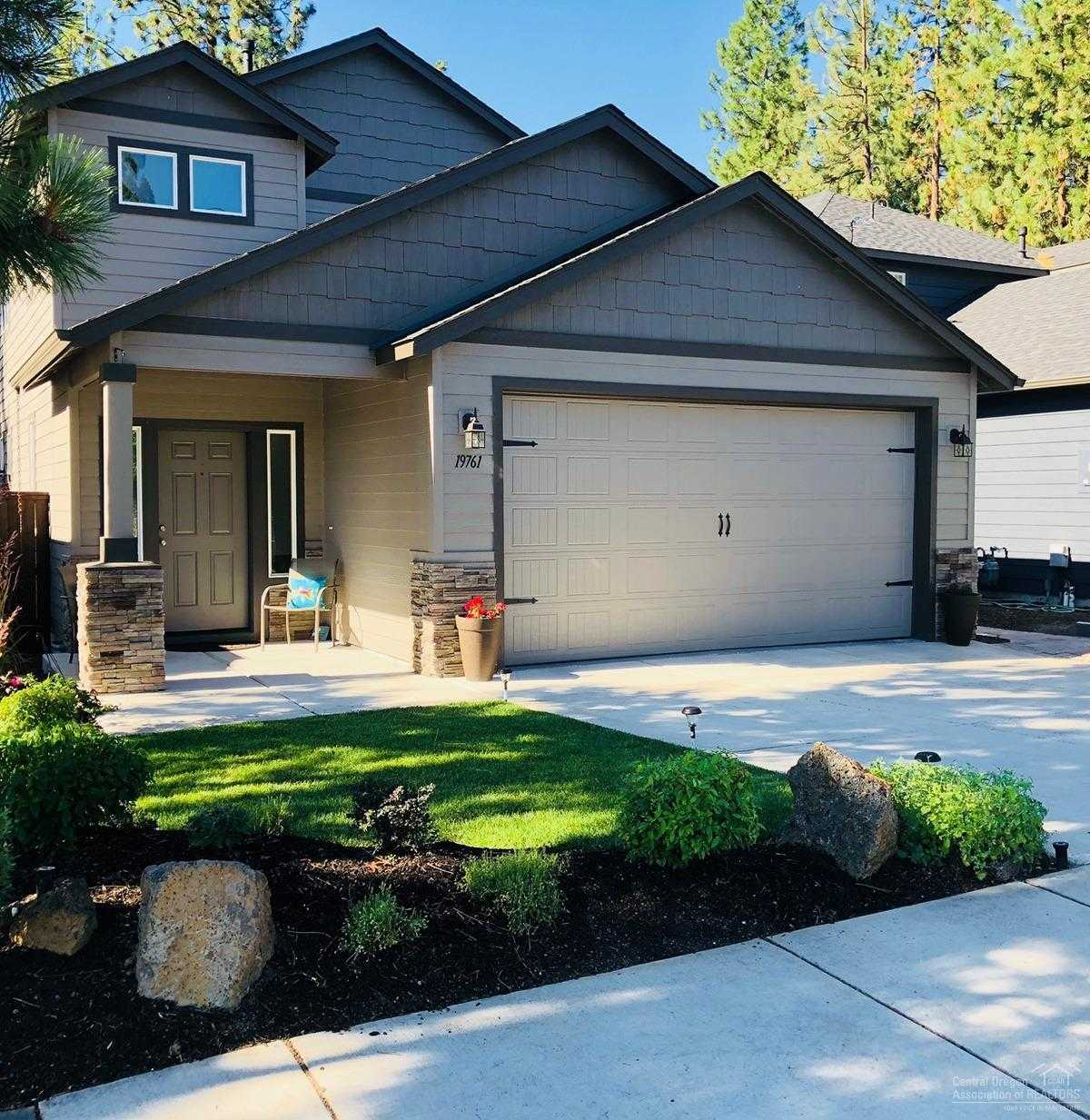 $419,500 - 3Br/3Ba -  for Sale in Bend