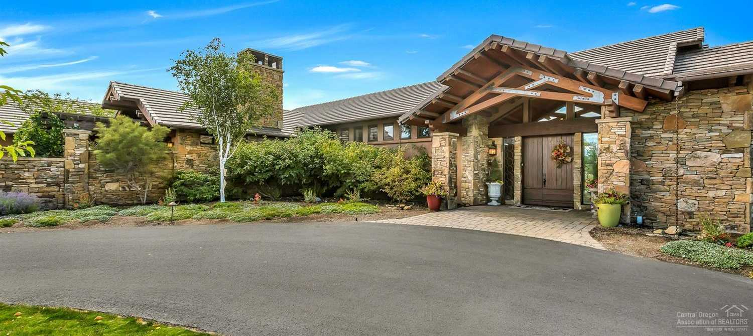 $3,100,000 - 4Br/5Ba -  for Sale in Bend
