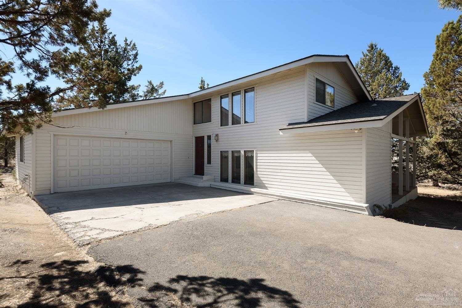 $525,000 - 4Br/3Ba -  for Sale in Bend