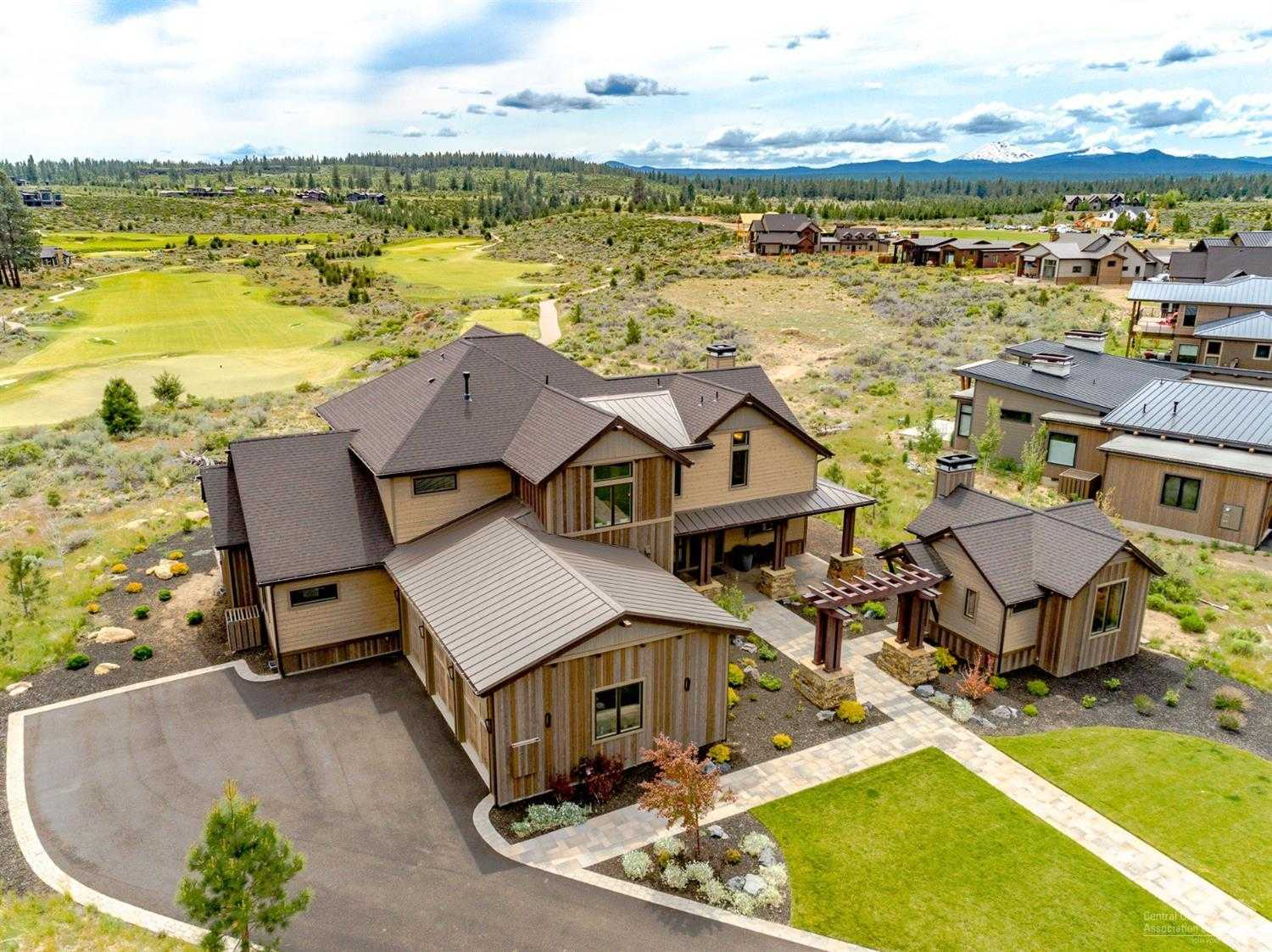 $1,925,000 - 5Br/6Ba -  for Sale in Bend