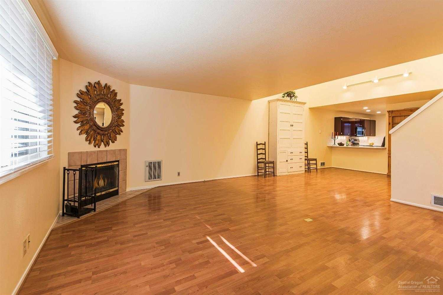 $225,000 - 2Br/3Ba -  for Sale in Bend