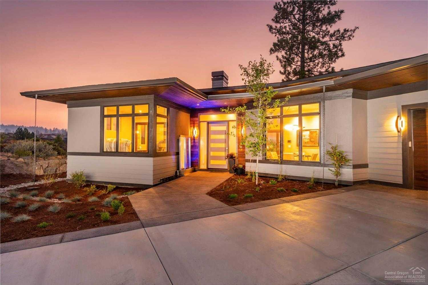 $2,097,500 - 3Br/5Ba -  for Sale in Bend
