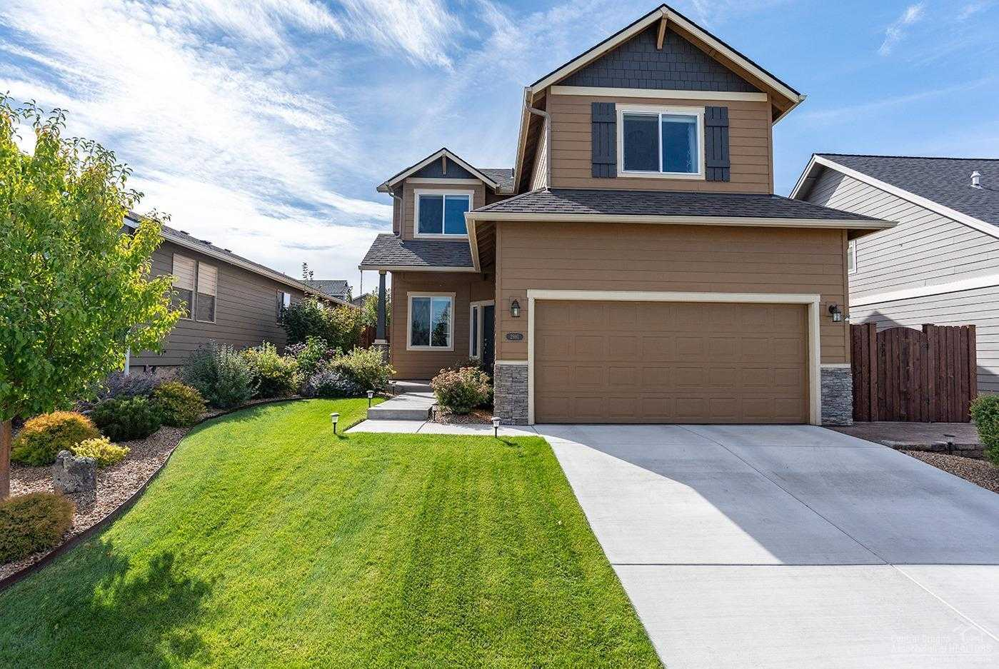 $429,900 - 3Br/3Ba -  for Sale in Bend