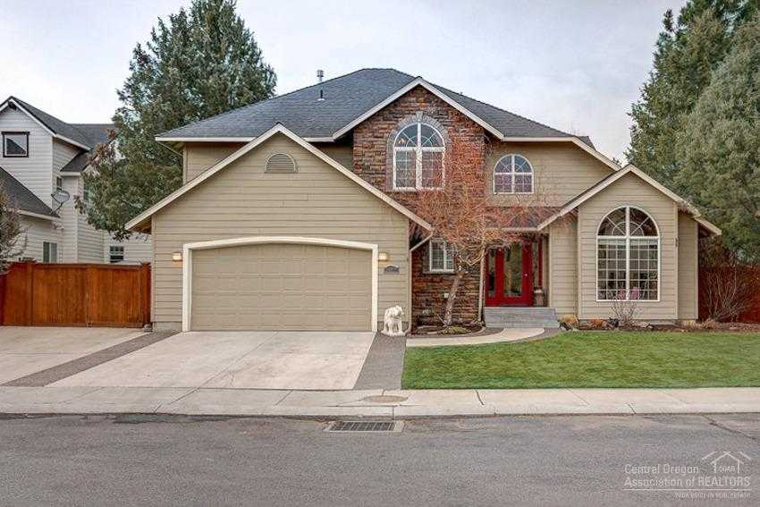 $469,000 - 4Br/3Ba -  for Sale in Bend