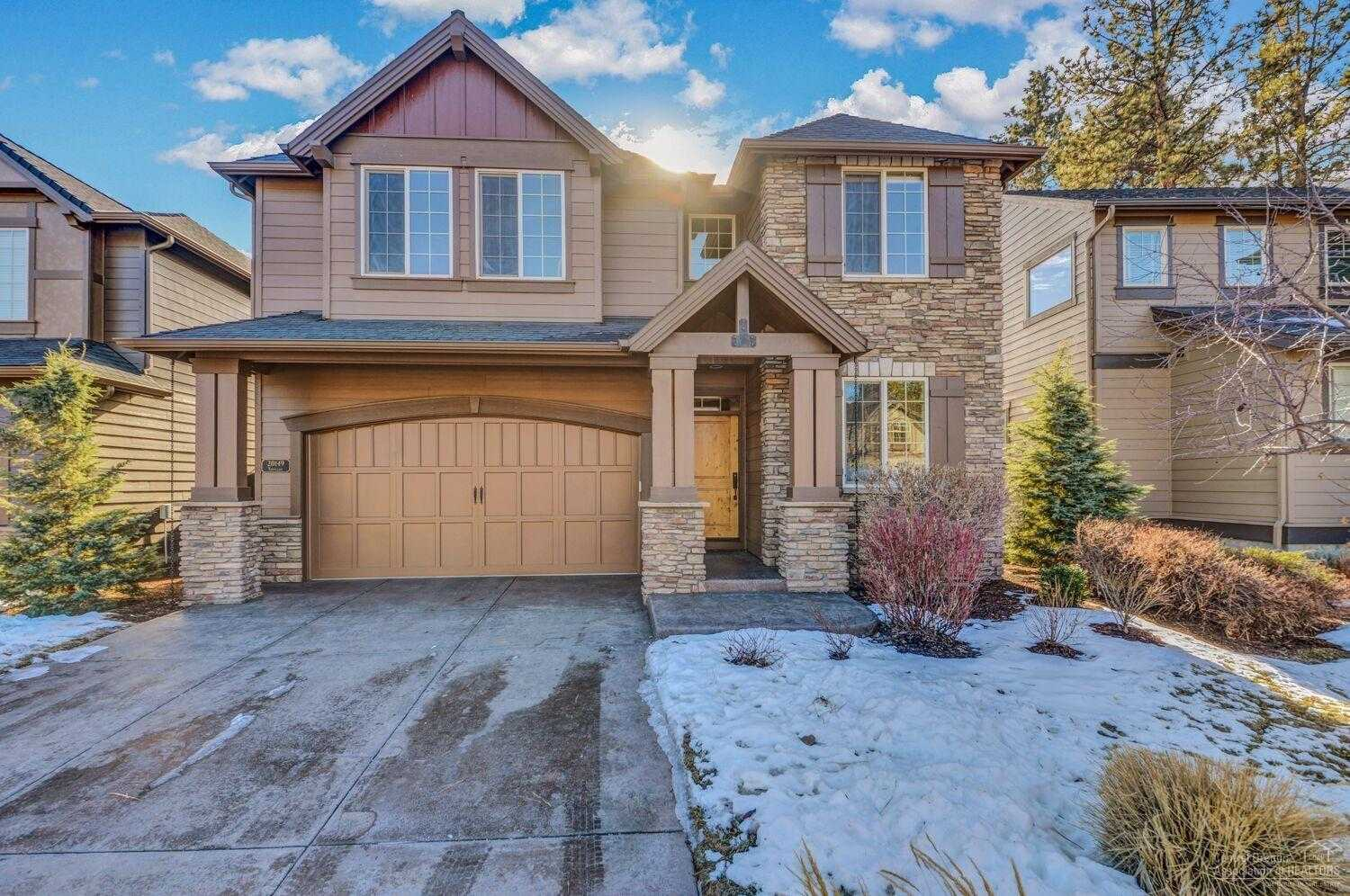 $499,900 - 4Br/3Ba -  for Sale in Bend