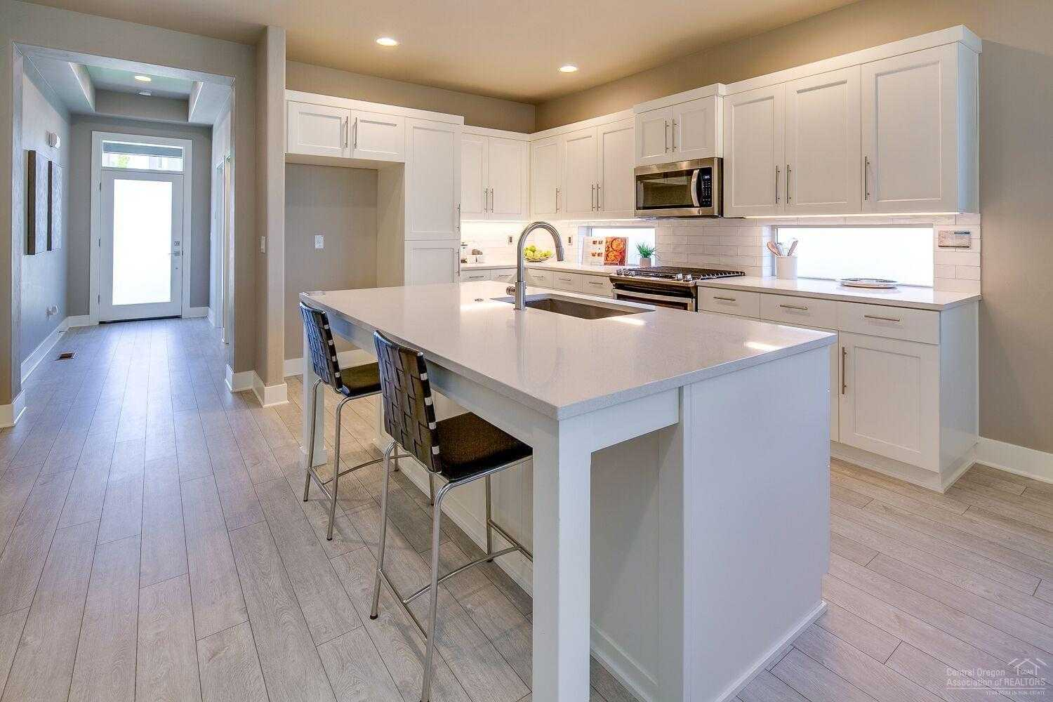 $483,000 - 3Br/3Ba -  for Sale in Bend