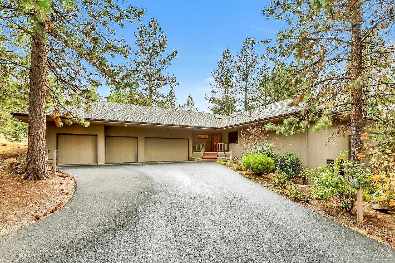 $949,900 - 5Br/4Ba -  for Sale in Bend