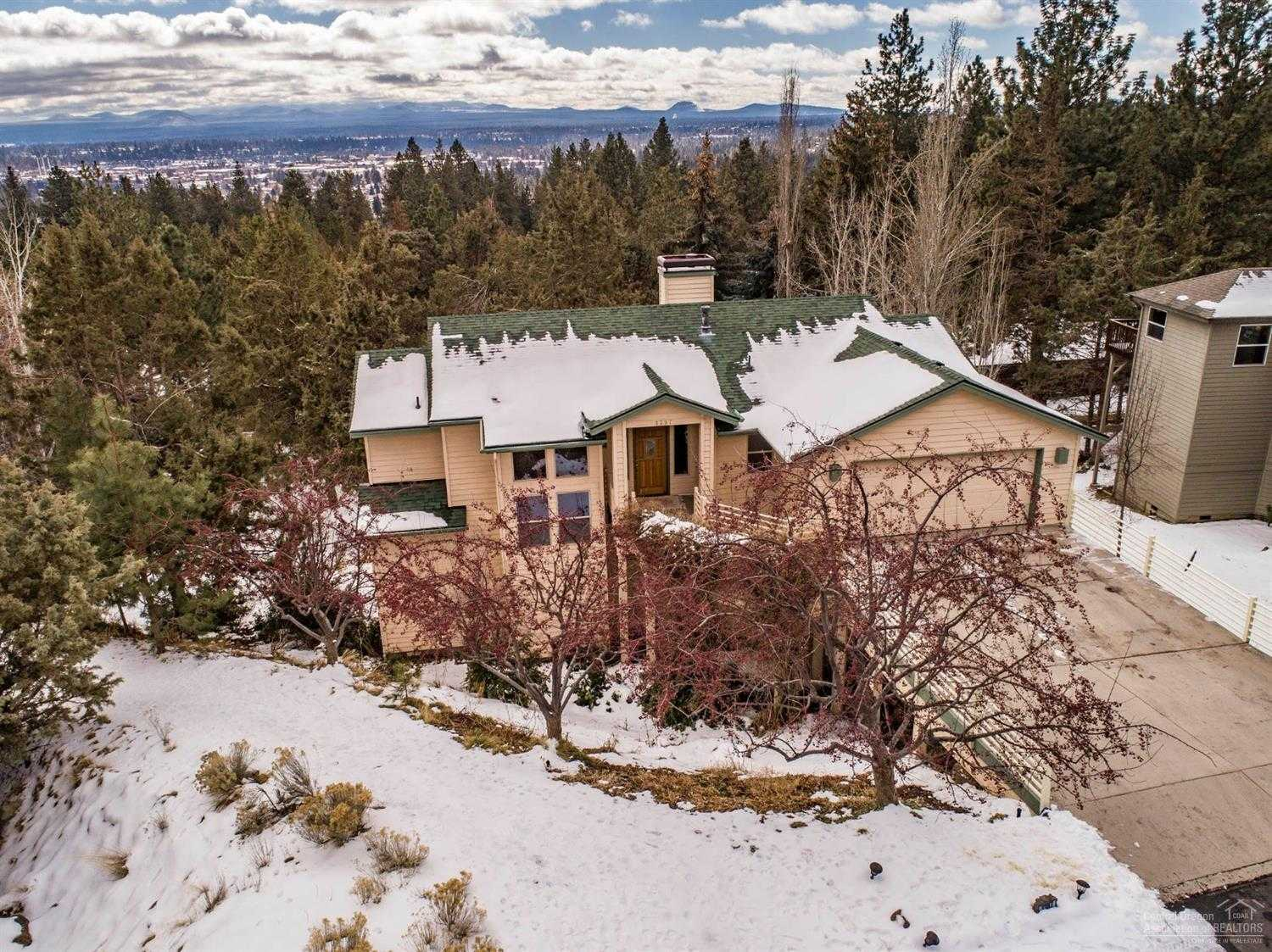 $574,999 - 3Br/3Ba -  for Sale in Bend
