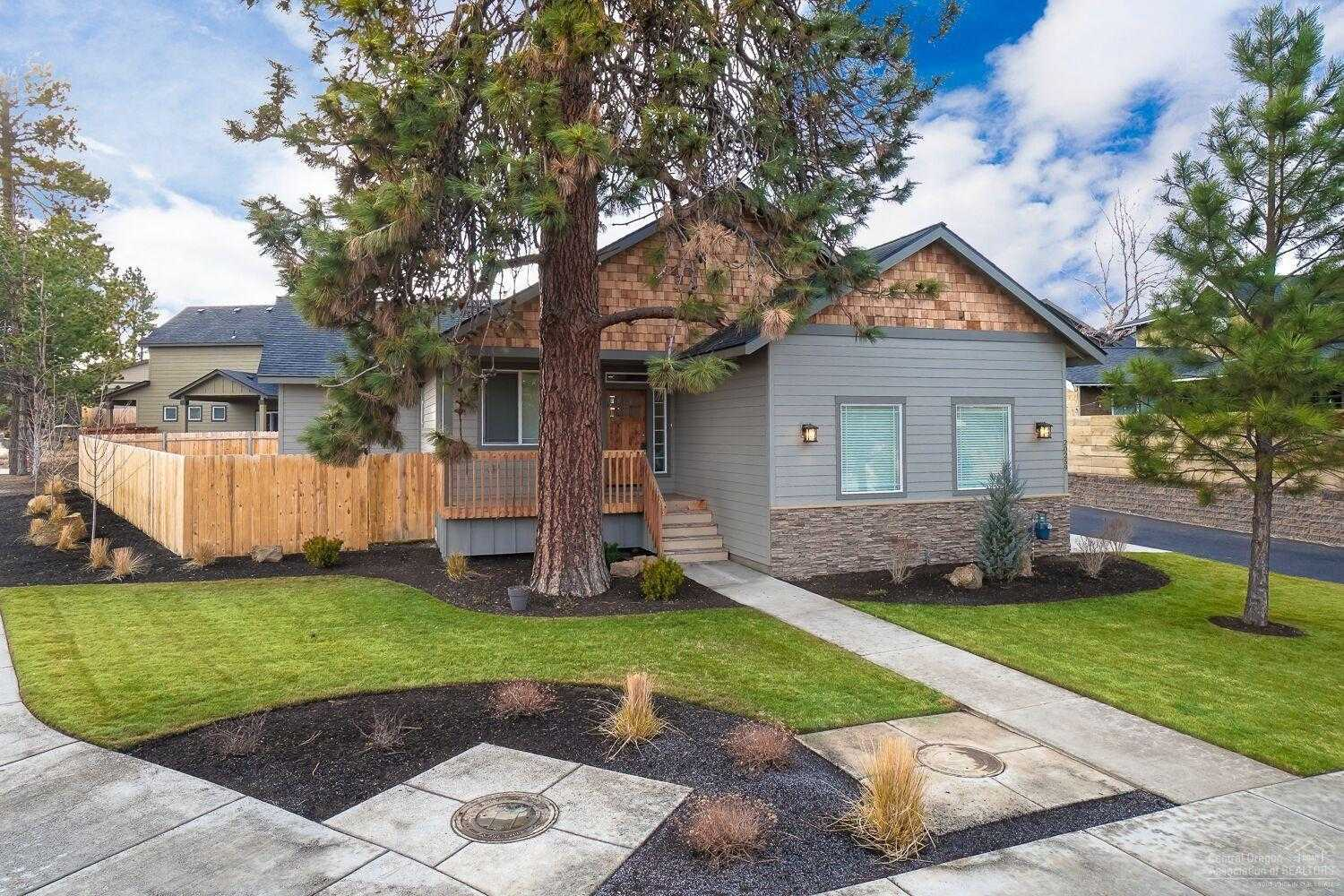 $450,000 - 3Br/2Ba -  for Sale in Bend
