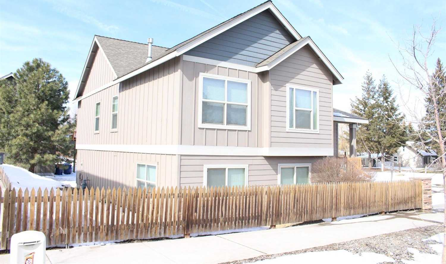 $385,000 - 4Br/3Ba -  for Sale in Bend