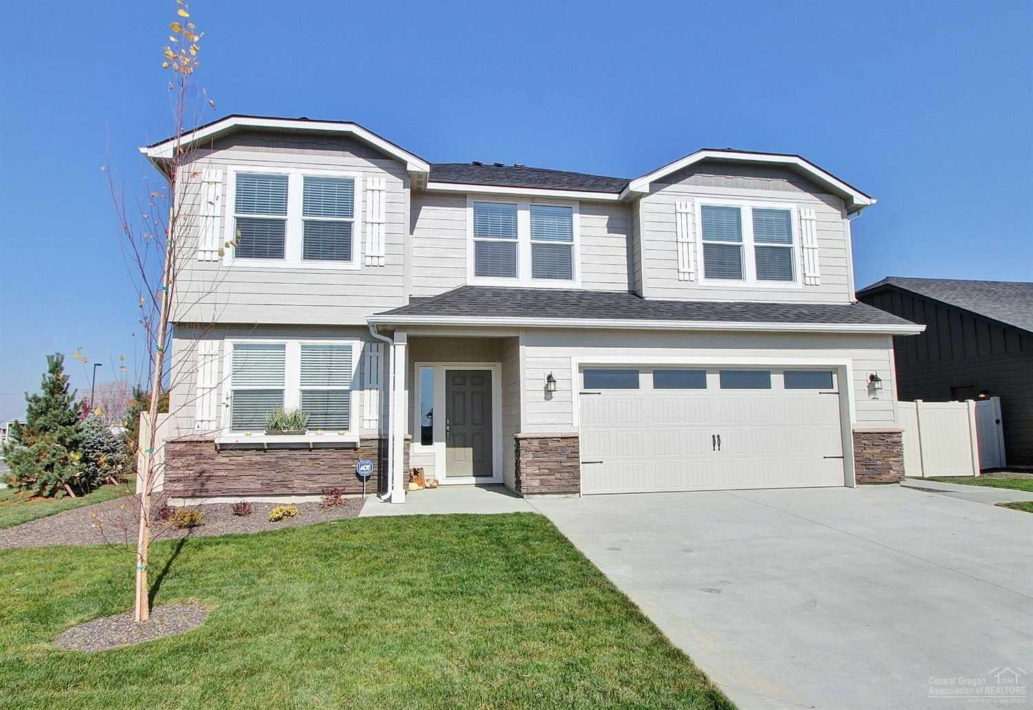 $411,376 - 5Br/3Ba -  for Sale in Sisters