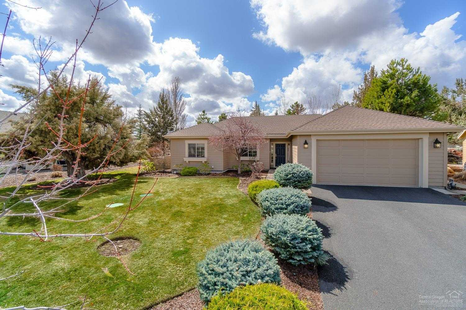 $387,500 - 2Br/2Ba -  for Sale in The Falls, Redmond
