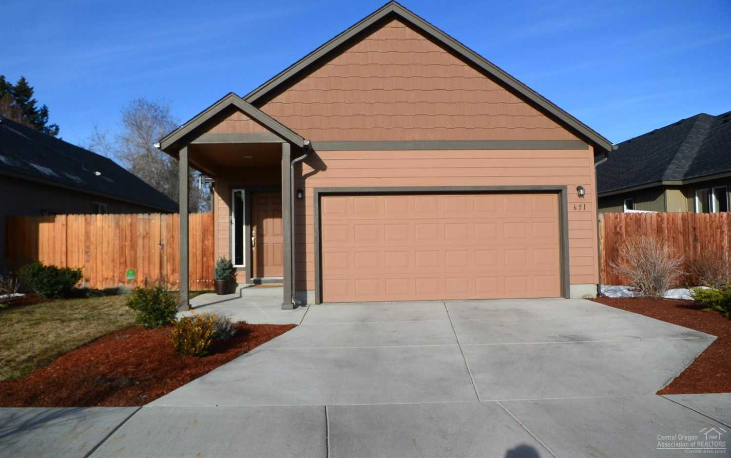 $325,000 - 3Br/2Ba -  for Sale in Bend
