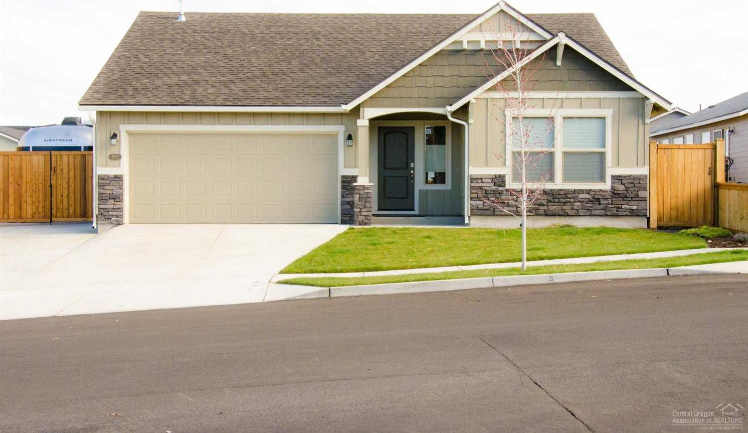 $400,000 - 3Br/2Ba -  for Sale in Bend