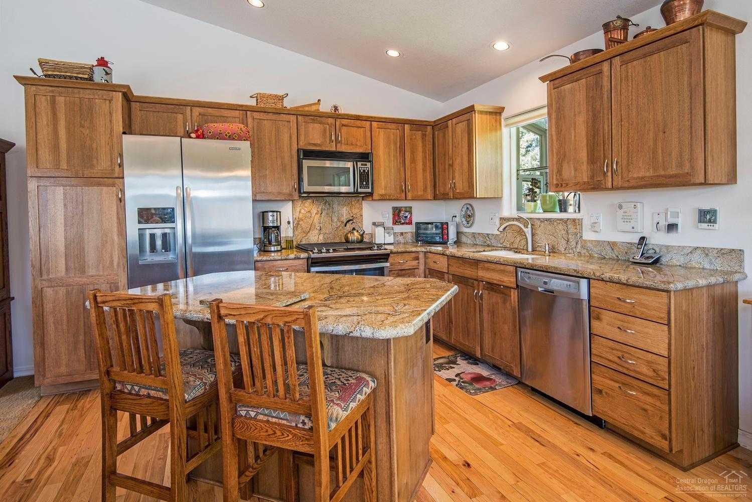 $399,900 - 3Br/2Ba -  for Sale in Bend
