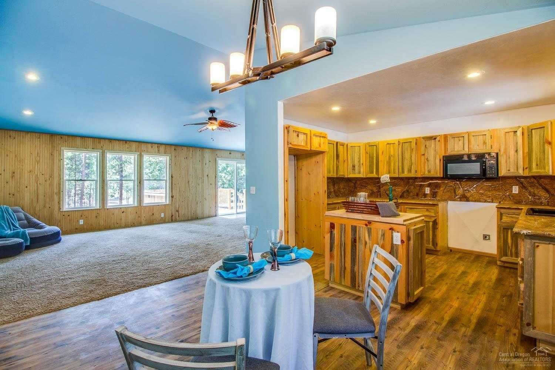 $327,000 - 3Br/2Ba -  for Sale in La Pine