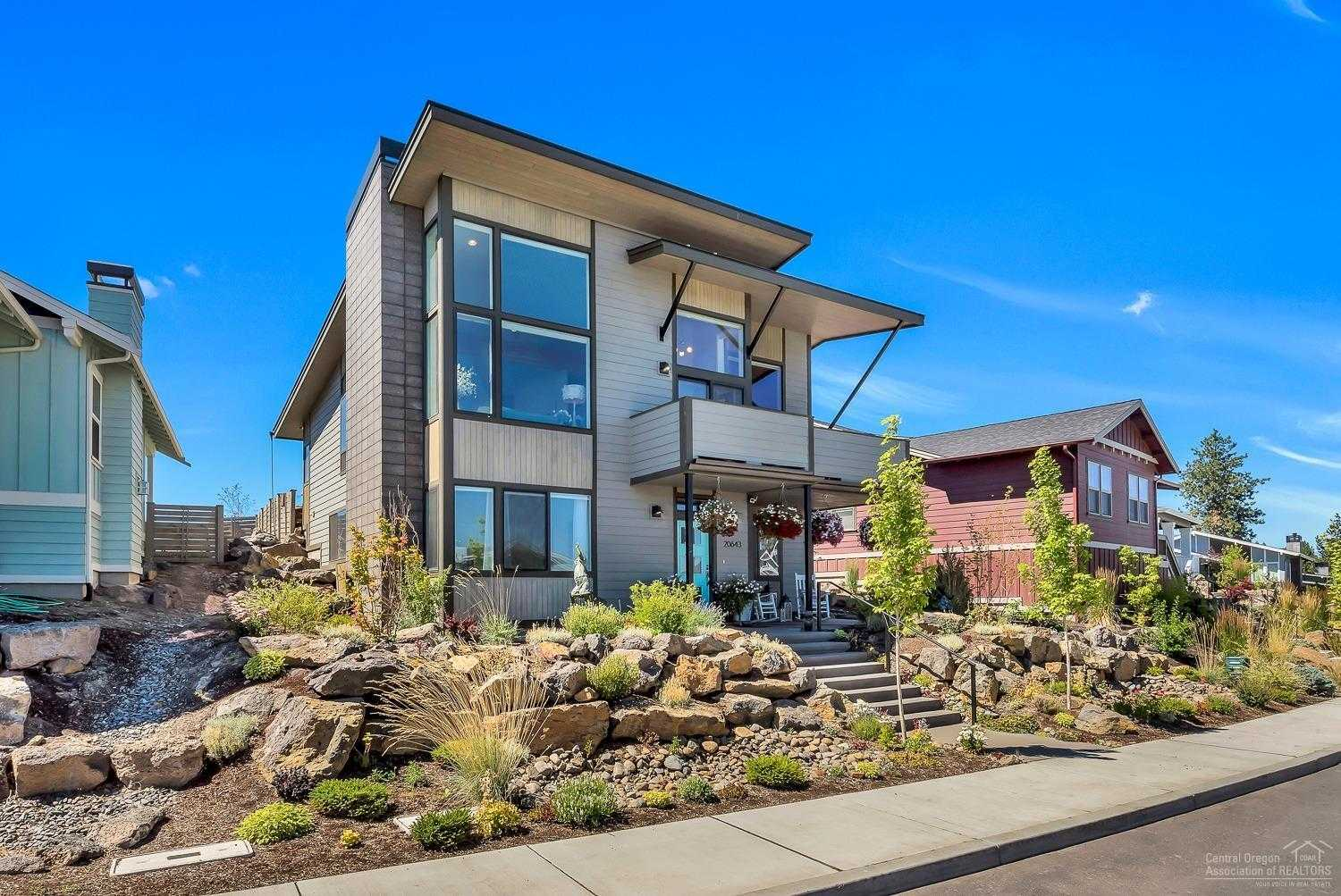 $529,900 - 3Br/3Ba -  for Sale in Bend