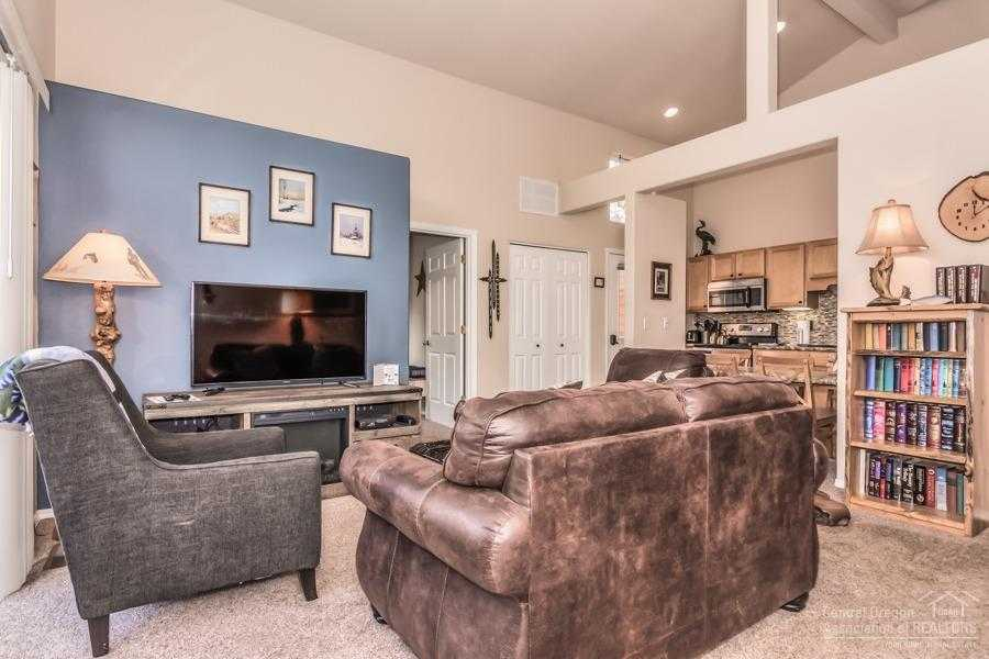 $229,000 - 2Br/2Ba -  for Sale in Sunriver