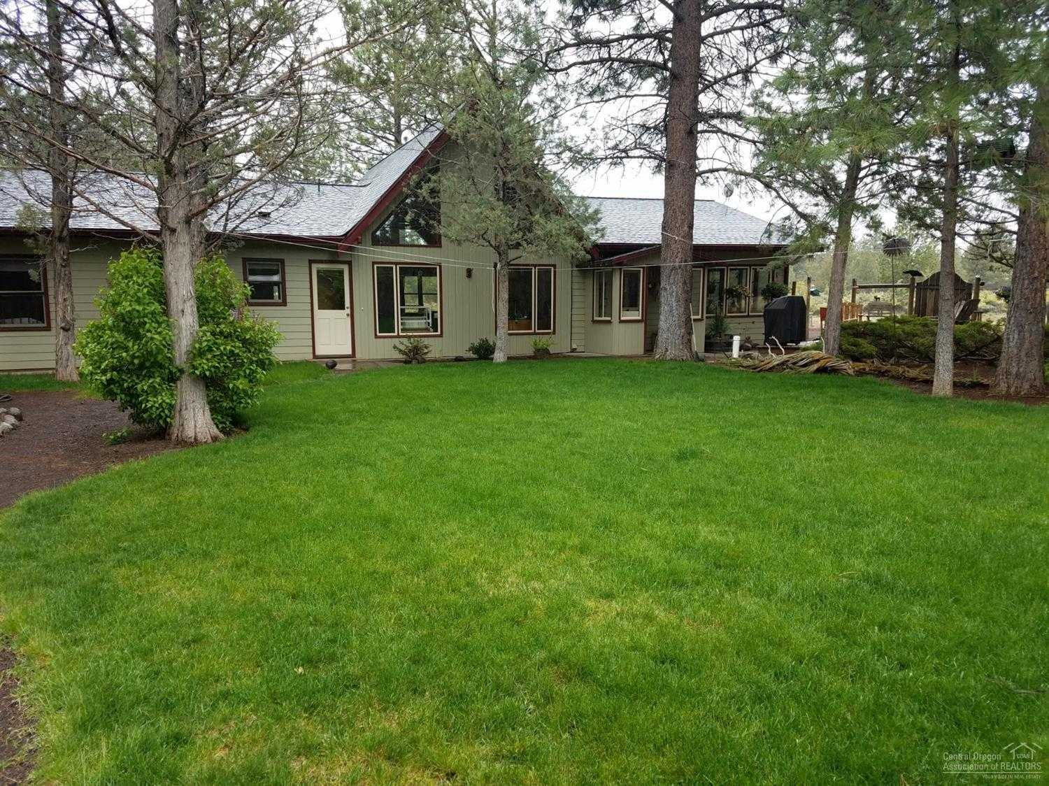 $540,000 - 3Br/2Ba -  for Sale in Bend