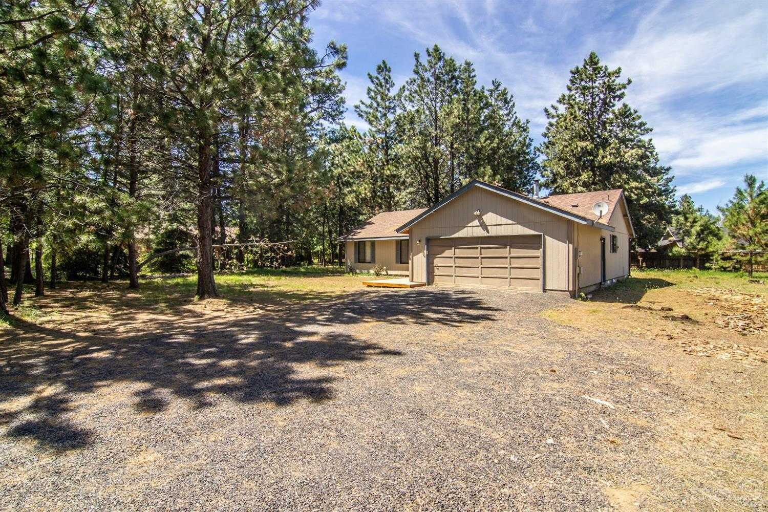 $319,000 - 3Br/2Ba -  for Sale in Sisters