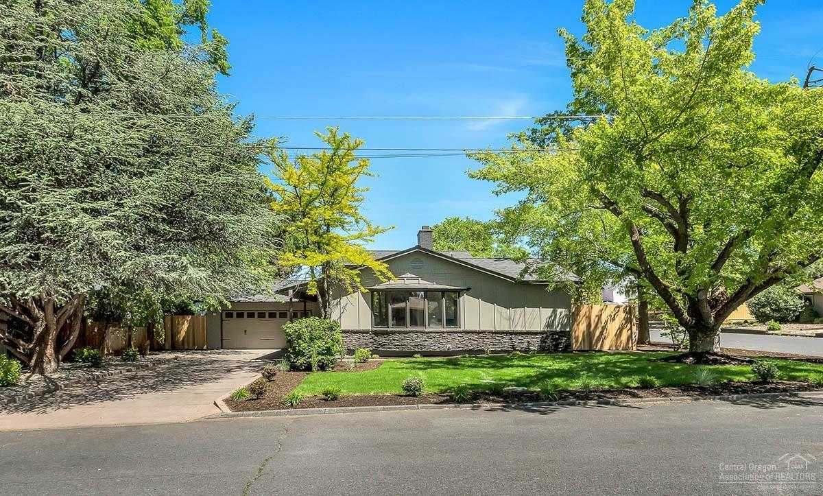 $525,000 - 4Br/2Ba -  for Sale in Bend