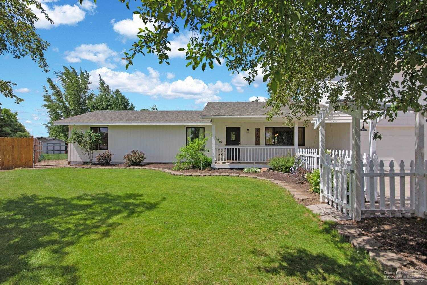 $549,000 - 4Br/3Ba -  for Sale in Bend