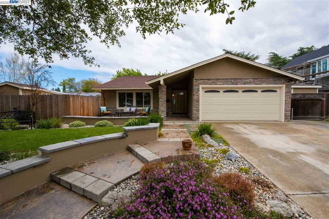 $829,999 - 4Br/2Ba -  for Sale in Summerset, Livermore