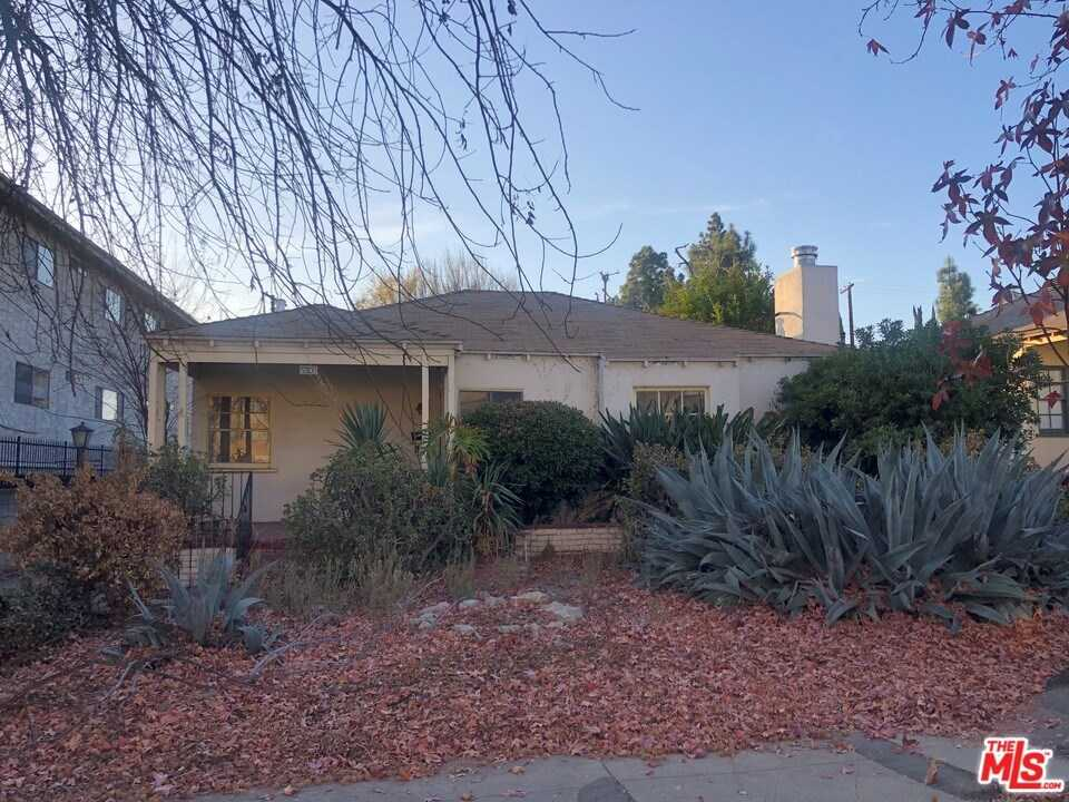 $1,260,500 - 3Br/2Ba -  for Sale in North Hollywood