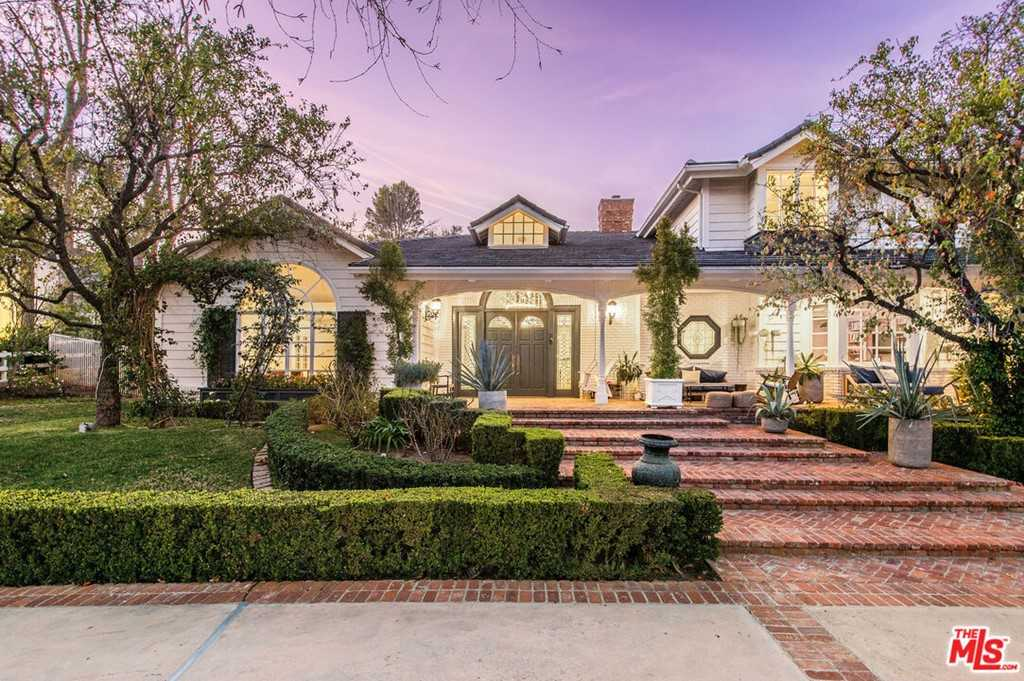 $10,995,000 - 6Br/8Ba -  for Sale in Hidden Hills