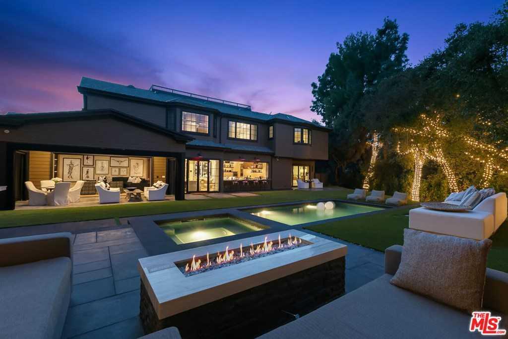$8,997,000 - 6Br/8Ba -  for Sale in Encino
