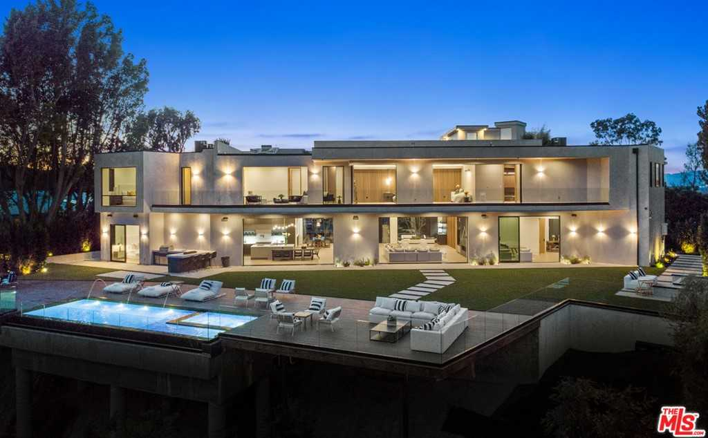 $12,995,000 - 7Br/7Ba -  for Sale in Encino