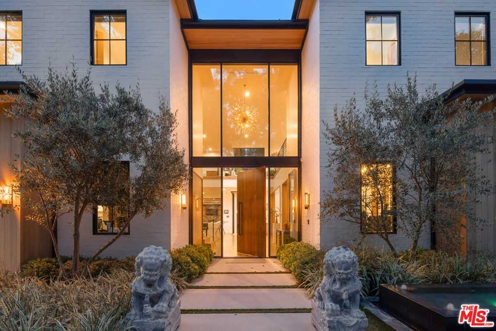 $16,750,000 - 9Br/11Ba -  for Sale in Encino