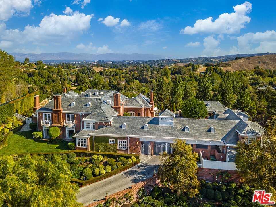 $13,750,000 - 8Br/10Ba -  for Sale in Hidden Hills