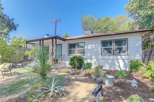 $780,000 - 3Br/2Ba -  for Sale in Granada Hills