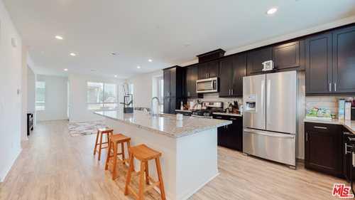 $725,000 - 4Br/4Ba -  for Sale in Ashton, Winnetka