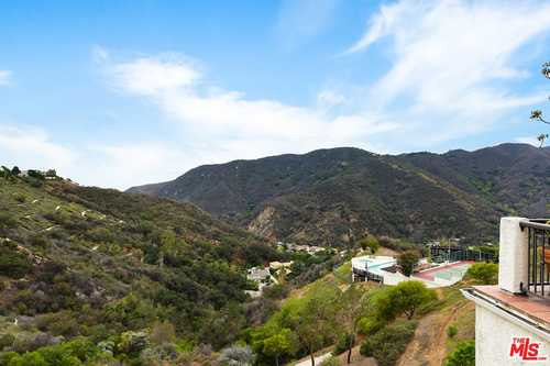 $1,495,000 - 3Br/4Ba -  for Sale in Pacific Palisades