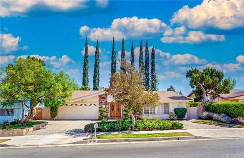 $1,000,888 - 4Br/3Ba -  for Sale in Granada Hills