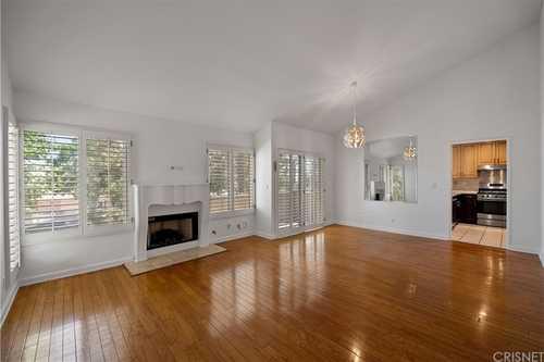 $649,500 - 4Br/3Ba -  for Sale in Granada Hills