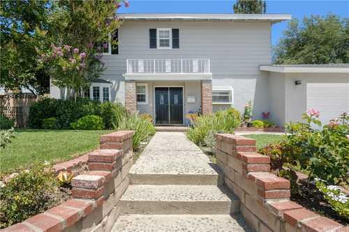 $995,000 - 4Br/3Ba -  for Sale in Granada Hills